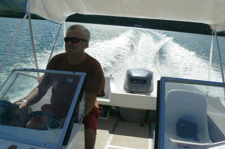 http://wunderbar.fr/horserie/files/gimgs/9_phil-bateau.jpg